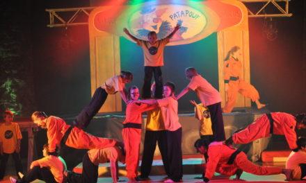 Troupe de cirque et de théâtre Mini-Maxi