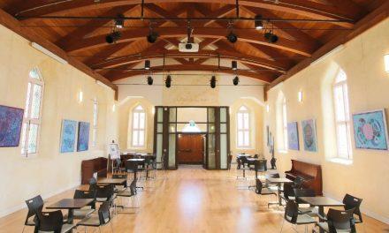 Invitation à soumettre votre dossier en arts visuels pour exposer au Domaine Trinity en 2022